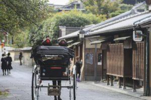 人力車に乗って浅草観光