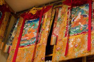 お寺の飾り物