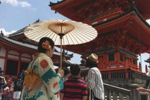 浅草寺で着物散策