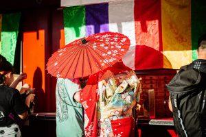 和傘と着物モデル